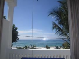 White Surfing Beach Resort, Unawatuna