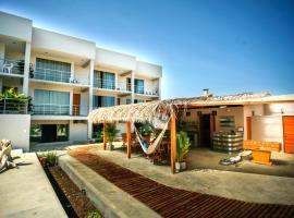 El Hueco Villas, Lobitos
