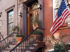Colonial House Inn, Нью-Йорк