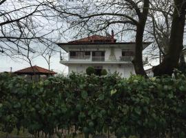 Litsa Haus Estate Residences, Asproválta