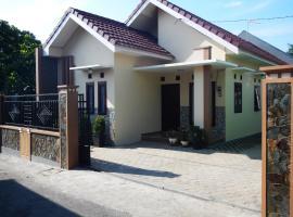 Gemini Holiday Home, Batu