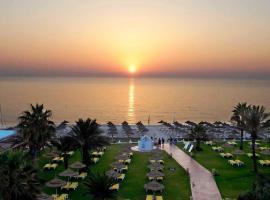 Palmyra Beach - Families & Couples only, El Ahmar