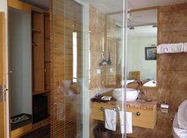 Ciao Bella Hotel, Tam Ðảo