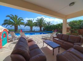 Villa Sunrise 11, Coral Bay