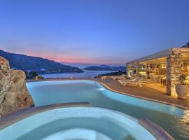 Eirini Luxury Hotel Villas, Grikos