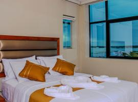 Bora Hotel, 伊基托斯