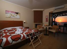Faros Luxury Suites, Marathópolis
