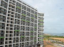 Jin Lan Bay Sea View Apartment, Yangxi