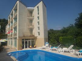 Hotel Paradise, Złote Piaski
