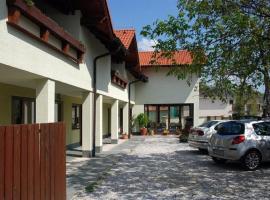 Penzion Jople, Podhájska