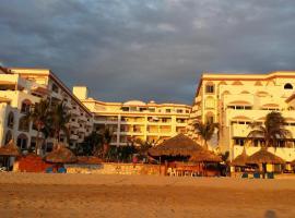 Maz4you Beachfront Condo, Mazatlán