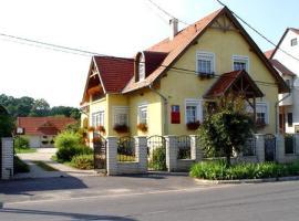 Mika Vendégház, Bük
