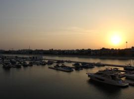 Yanjoon Holiday Homes - Palm Jumeirah Marina Residence, Dubaï