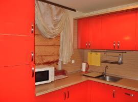 Negresco Apartments, Elenite
