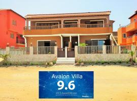 Avalon Villa, Santa Maria