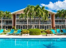 Aqua Bay Club Luxury Condos, Аппер-Ленд