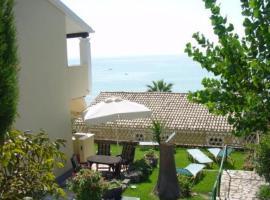 Menigos Resort House, Glyfada