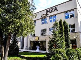 Inza Hotel, 德拉肯恩凯