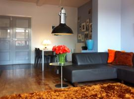 Orange Apartment,