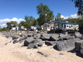 Brennan Beach Lakeview Loft Park Model 6, Pulaski