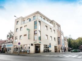 Hotel Deluxe, Nitra