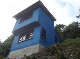 Blue Pine Farm Lodge Cabanas, Coroico