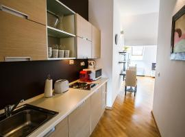 Sunny Apartment In Prague Center, Praga