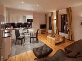 Luxoise Apartments,