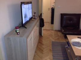 Comfortable apartment in Tivat, 蒂瓦特