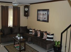 Staycation Apartment, Jalang