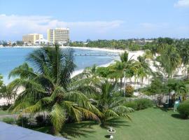 Oceanview Apartment 13c, Ocho Rios