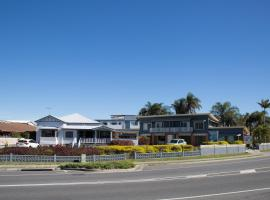 Pale Pacific Holiday Units, Redcliffe