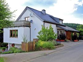 Comfortable Holiday Home in Balesfeld with Garden