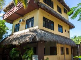 Beautiful Beach House con Flores, Puerto Escondido