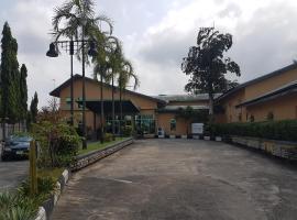 520 Asdam Lodge Hotel, Calabar