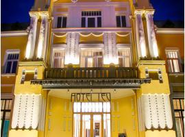 Hotel Lev, Levice