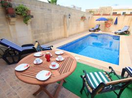 Ta' Bejza Holiday Home with Private Pool, 休吉让