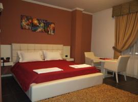 Hotel Mustang, Tiranë