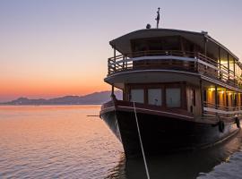 RV Mingun- Private Charter(Mandalay-Myint Kan Gyi (Irrawaddy Dolphins)-Mingun-Ava@Innwa-Mandalay ) 4 Days -3Nights Program, Mandalay