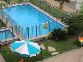 Al Jar Resort - Families Only, Rayyis