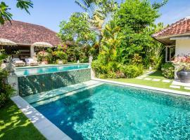 Villa Senang, Семиньяк
