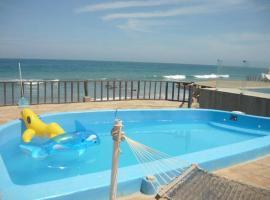 Hermosa casa céntrica en Punta Sal, Canoas De Punta Sal