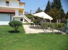 Villa Chryssoula Apartments, Erétria