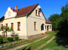 Faluszéli Tóthék Vendégháza, Szentkozmadombja