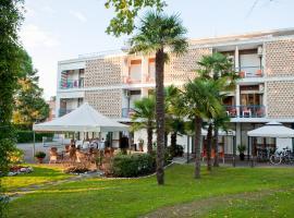 Hotel Horizonte, 比比翁