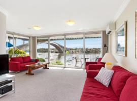 Drummoyne Self-Contained Modern Three-Bedroom Apartment (3DRU), Sydney