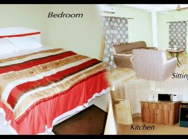 Biney's Apartment Hotel, Baatsona