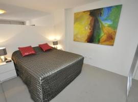 Darlinghurst Self-Contained Modern Studio Apartment (17 OXF),