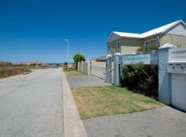 Dolphin Dance Self-catering Units, Bluewater Bay