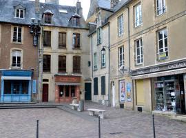 Le Parvis De La Cathédrale Ii, Bayeux